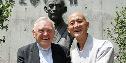 (Left) Columban Fr Noel O'Neill, a recipient of the Manhae International Award in South Korea, an award previously bestowed upon Nelson Mandela and the Dalai Lama, has been working in South Korea since his ordination in 1957 and founded the Rainbow Community which offers services to people with intellectual disabilities. (Right) Ven Pomnyun Sunim, founder and guiding Zen master of Jungto Society.